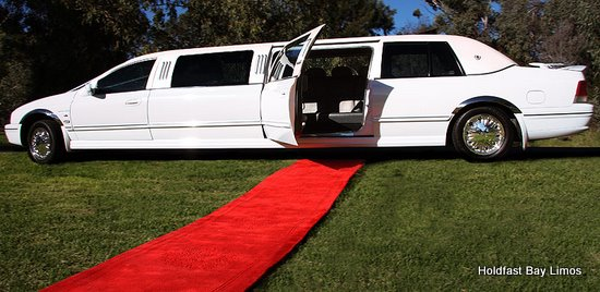 Adelaide Limousines, Stretch Limo Adelaide, Wedding Limo