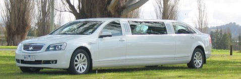 Cairns Limousines & Airport Transfers, Wedding Cars, School Formals & Corporate cars