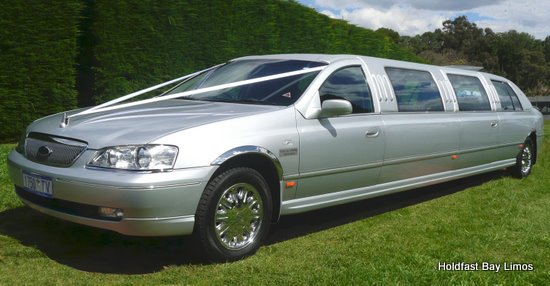 Adelaide Limousines, Wedding Limo, Airport Transfers, School Formal Super Stretch Limo, All Special Occasions