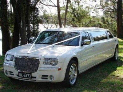 Chrysler 300C Stretch Limo Wedding Car