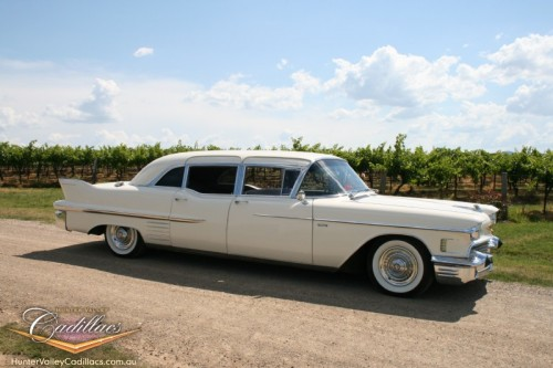 Hunter Valley Wine Tours & Wineries in a Cadillac Limousine
